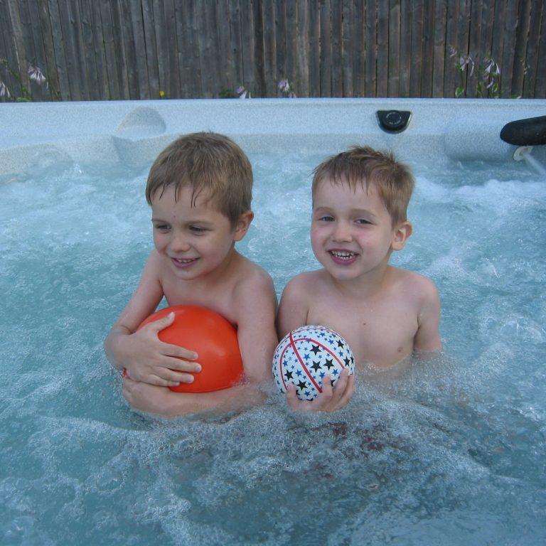 rjs hot tub services, kenosha hot tub service, kenosha hot tub repair